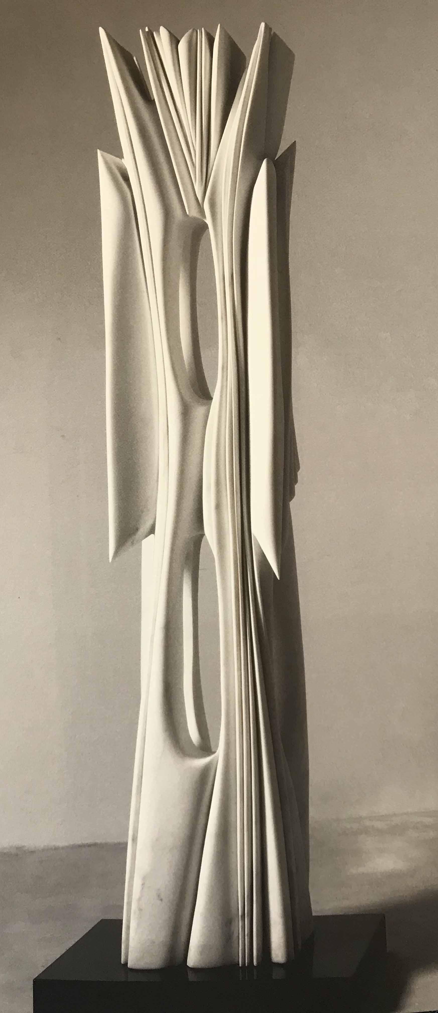"""PABLO ATCHUGARRY (Nac. 1963) """"El ángel"""" Mármol de Carrara; 229 x 43 x 40 cm. POR CONSULTAS DE PRECIOS, CONTACTE LA GALERIA. FOR PRICE´S ENQUIRIES, PLEASE CONTACT THE GALLERY."""